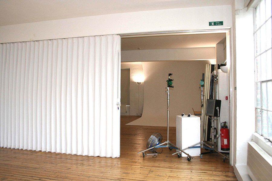 vl2 series accordion doors